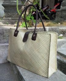 natural pandan bag (1)