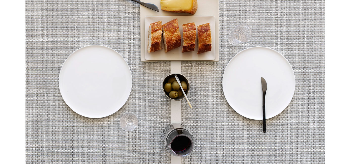 rectangle_placemats_in_white_silver_basketweave